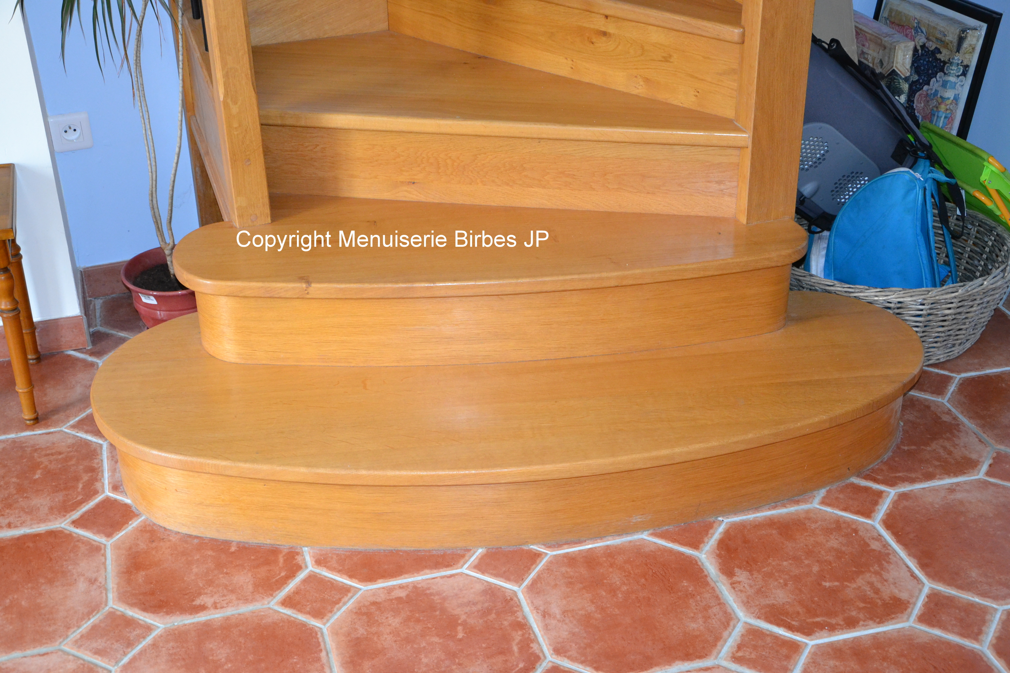 escalier fanjeaux menuiserie birbes jean pierre. Black Bedroom Furniture Sets. Home Design Ideas